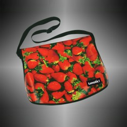 "Fashion bag ""Strawberry"" with covers to change"